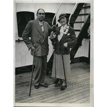 1933 Press Photo of Dr. Fabian Garcia and his wife after fleeing Cuba.