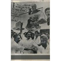 1963 Press Photo Government banners and slogans outside Parliament House India