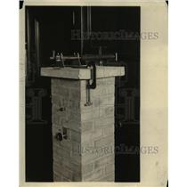 1925 Press Photo Telescope And Control Levers Operating The Balance - nee16004
