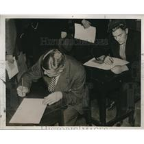 1937 Press Photo Sweden unemployed men seeking govt jobs - nee19399