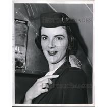 1956 Press Photo Dixie Golladay,Delta Airlines Stewardess - nee18667