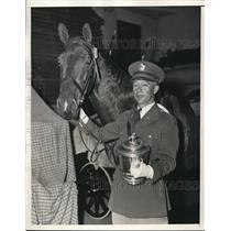 1934 Press Photo Major Charles B. Lyman with Mauri Girl - nee19986