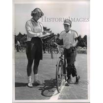1960 Press Photo Bike Brigade Rita Jensky & Frank Megoch - nee24026