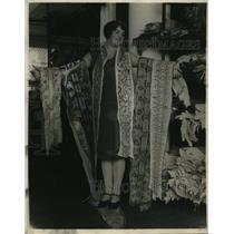 1929 Press Photo La Calif Miss Maxine Mitchell & python skins