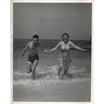 1941 Press Photo Mr. and Mrs. Geo Street of Richmond Virgnia - nee21154