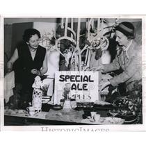 1930 Press Photo Mrs Marie Stevens, Mrs Marge McConaughtym House of Fantasy sale