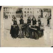 1928 Press Photo Pesant women of Freiberg in national costume