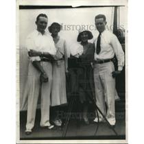 """1930 Press Photo Dale Jackson and Forrest O""""Brine is standing with their wives"""