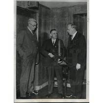 1933 Press Photo Sheriff Moeller and U.S. Marshall Bernard Anderson - nee19898