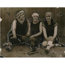 1917 Press Photo Mrs EJ Doharty, Mrs Laura Lawson, Hazel Doharty