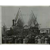1934 Press Photo thousands line Michigan Ave in Chicago for World Fair
