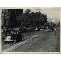 1939 Press Photo Traffic at Detroit Avenue and West 49th - nee29408