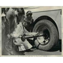 1930 Press Photo The bus safety school for Greyhound Liners  - nee24445