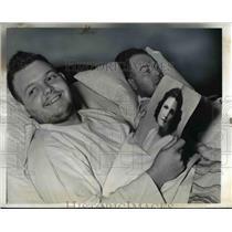 1942 Press Photo Robert Fennel Jr;Officer George Tavelle survive U-Boat Attack