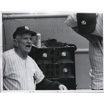 1960 Press Photo Casey Stengel NY Yankee manager - nes26695