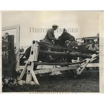 1932 Press Photo Jack Mahoney at 12th annual Huntington Horse show - nes26650