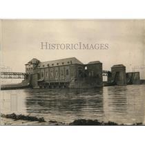 1923 Press Photo Aschaffenburg Germany canal system gates