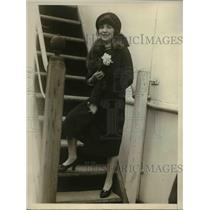 1926 Press Photo Mrs. Charlotte Rozd arriving in New York aboard S.S. Mauretania