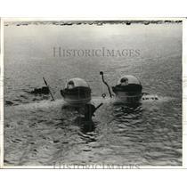 1968 Press Photo Midget submarine in Hong Kong launched at Yacht Landing