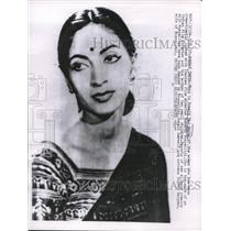 1957 Press Photo Sonali Das Cupta romantically linked to Roberto Rossellini