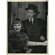 1938 Photo Mr and Mrs George McLanahan (former Sally Clark) arrive LA