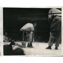 1935 Press Photo Lou Salica downed by Sixto Escobar in NYC bout - nes27760