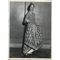 1931 Press Photo Ms. Buddy Camioff in French Provincial Costume