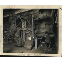1927 Press Photo Auto Workshop - nee33502