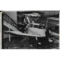 1960 Press Photo Plane Crash into Apartment Homes - nee37955