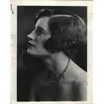 1927 Press Photo Clarabel Siegner of Portland in National Radio Audience
