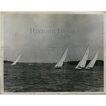 1934 Press Photo Long Island Sound yacht race team at Bermuda - nes27552