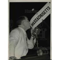 1940 Press Photo Alben W. Barkley, Senator Kissing Massachusetts Banner