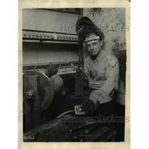 1930 Press Photo Welder Stanley Grorge Holden of Middletown New York,
