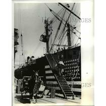 1941 Press Photo Freight & Baggage Put Aboard American Ship Docked in Lisbon