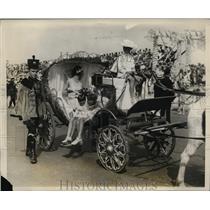 1927 Photo Teresa de LaEspriella Queen Titania XXXVI riding parade