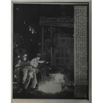 1948 Press Photo Reconversion program for steel scrap, Kiratsuka Tokyo Japan