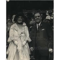 1925 Press Photo Gov e. Lee Trinkle and Mrs. Garnet Kingat Kenmore Celebration