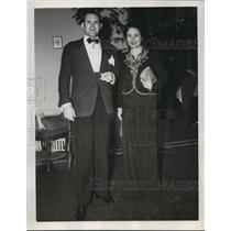 1941 Press Photo Mr and Mrs Guernsey Curran Jr., pictured at Chambord's in FLA.