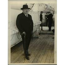 1927 Press Photo Baron Henryde Rothschild Arriving in New York on S.S. Paris