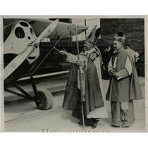 1922 Press Photo George Cardinal Mundelein, Bishop B.J. Sheil Dedicate School