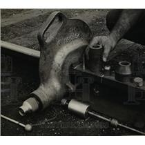 1947 Press Photo Dearborn Michigan Ford Motor Company velocity power rail punch