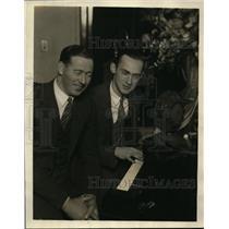 1925 Press Photo Sandy Meek & Harry Sosnick at WBBM studio in Chicago