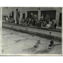1932 Press Photo Japanese Swimmers At Olympic Plunge, Practicing For Games