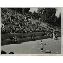 1937 Press Photo crowd watching game at Olympic Club's Lakeside court