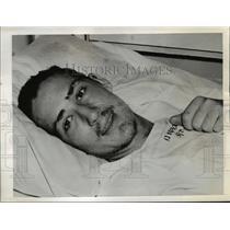 1942 Press Photo 21 days adrift in whale boat Hobert e Kelly of Philadelphia.