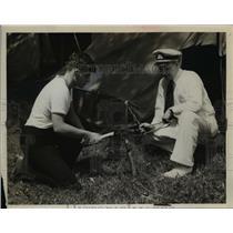 1940 Press Photo Field Scouts Dick Van Eman, Edgar Wolfe Hammer Tent Stakes