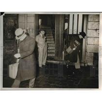 1937 Press Photo Paris Arms Cache Agents, French Secret Service, Odeon Theater