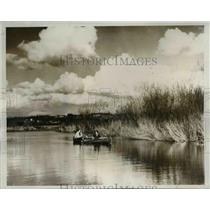 1933 Press Photo Univ. of Wash. Co-Eds take to Lake Wash. as part of Education.
