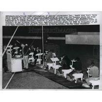1957 Press Photo Amateur Astronomers Use Telescopes at Morrison Planetarium
