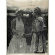 1935 Press Photo Helen Moody and Helen Jacobs After All England Singles Match